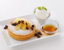 シナモンアップルとラムレーズンのパンケーキ