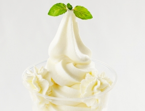 よつ葉の白いパフェ