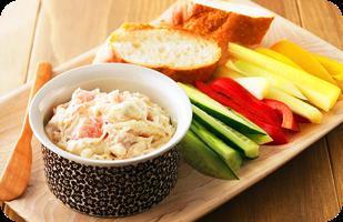 チーズスプレッドと生ハムのディップソース